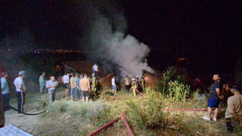 Bursa'da gece yarısı yangın paniği! Mahalleli sokağa döküldü