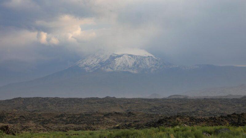 Kış göründü! Ağrı Dağı'na ilk kar yağdı