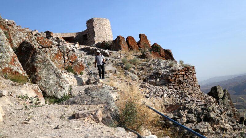 5 bin yıllık stratejik kalenin kapısı bulundu