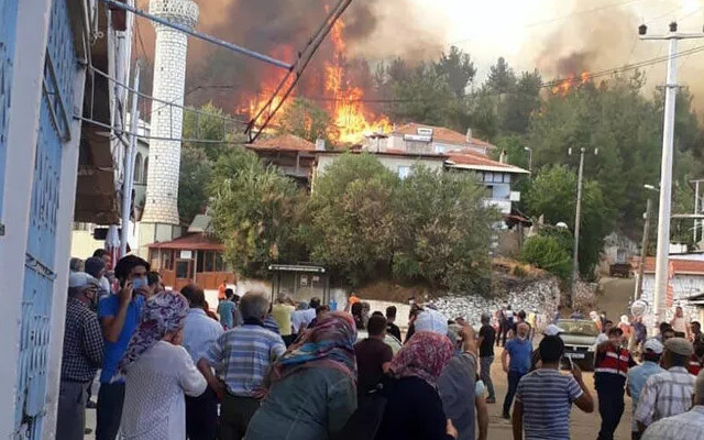 Alevler yerleşim yerine böyle ulaştı
