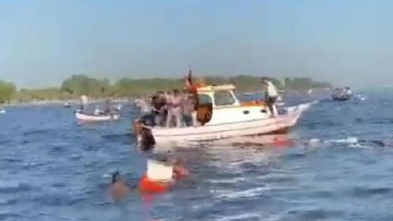 İzmir'de batan tekneden 5 balıkçı yaralı kurtuldu
