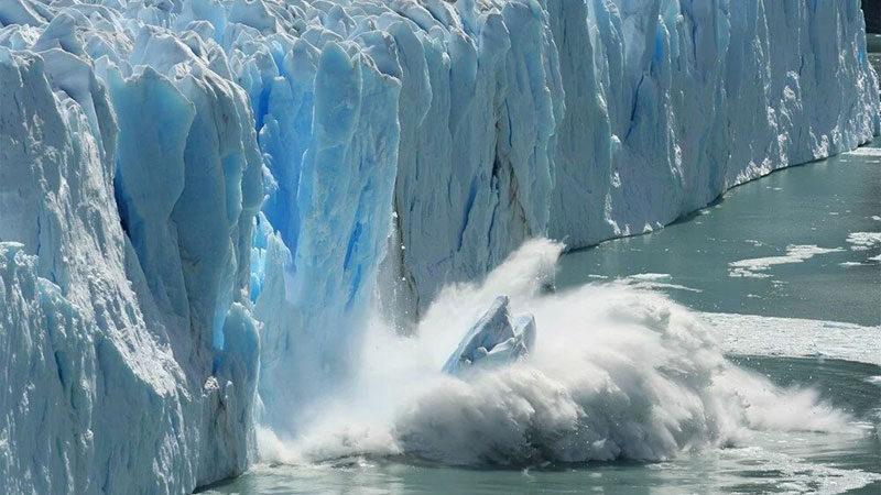 Felaketler peş peşe gelecek! Kıyamet buzulu hızla eriyor