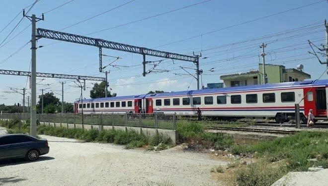 Erciyes Ekspresi ters makasa girdi: 300 yolcu tahliye edildi