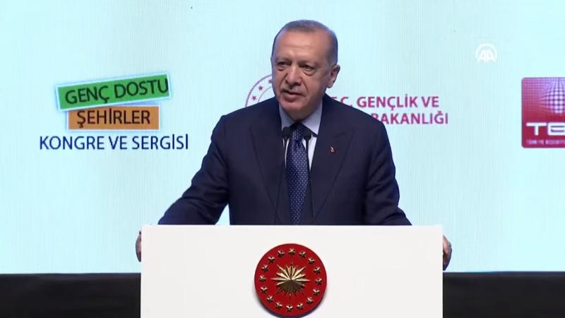 Cumhurbaşkanı Erdoğan gençlere seslendi…