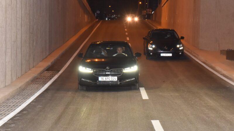 Bursa'da kritik yol trafiğe açıldı!