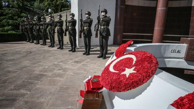 3. Cumhurbaşkanı Celal Bayar Gemlik'teki kabri başında anıldı