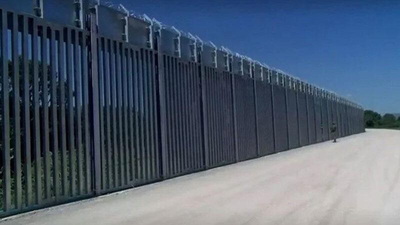 Yunanistan'dan Türkiye sınırına 40 kilometrelik çelik duvar