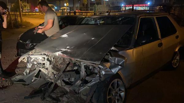 Bursa'da aşırı hız kazaya neden oldu: 1'i ağır 2 yaralı