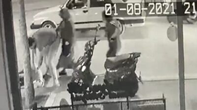 Bursa'da devrilip sürüklenen motosikletin sürücüsü ve oğlu yaralandı