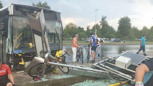 Belediye otobüsü dehşet saçtı