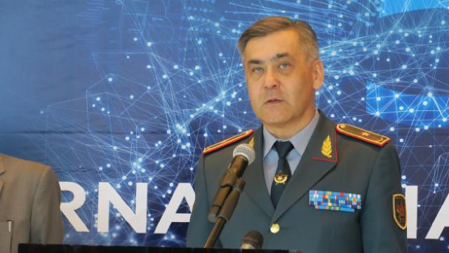 Kazakistan'da Savunma Bakanı istifa etti