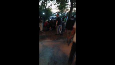 Bursa'da otoparka dalan minibüs 5 arabaya çarptı: 8 yaralı