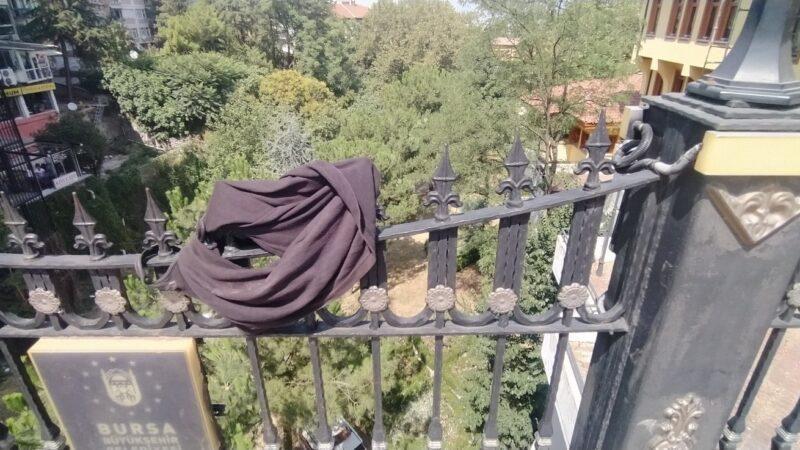 Bursa'da tarihî köprüden atladı, ağır yaralandı