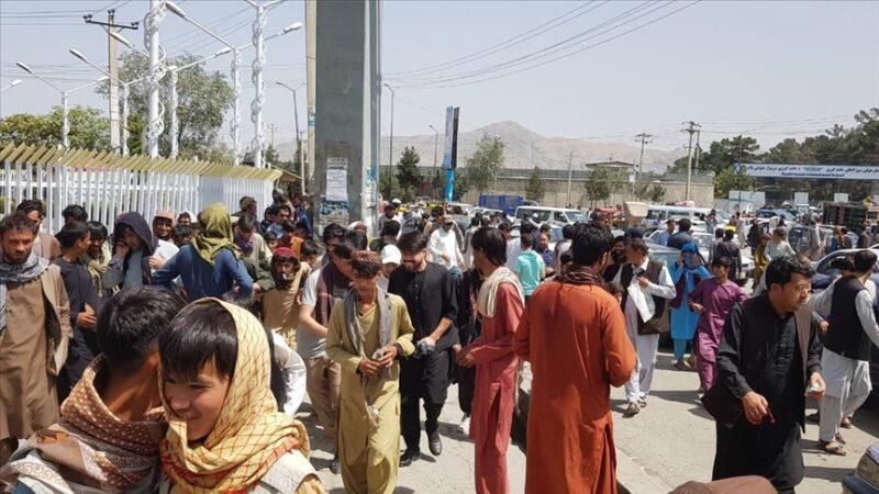 Pentagon: Taliban, Amerikalıların Kabil'deki havalimanına güvenli erişimine yardımcı oluyor