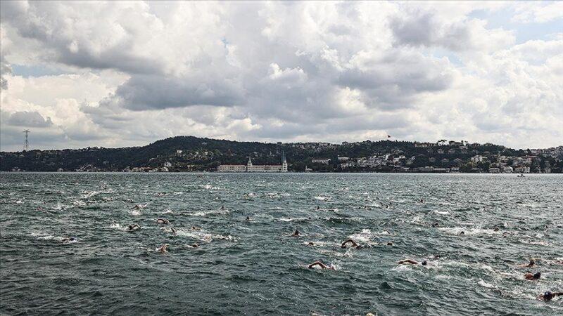 Bursalı milli yüzücü birinci oldu