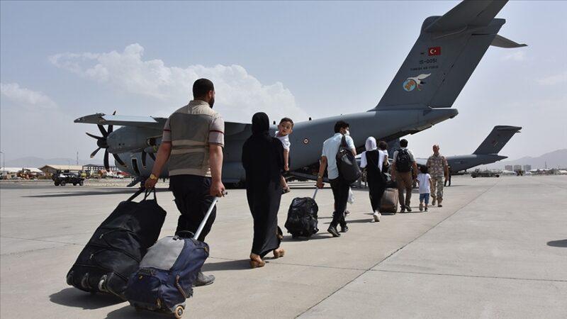'Uçan kale' yola çıktı! 200 Türk tahliye ediliyor