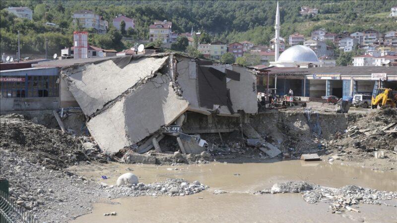 Karadeniz'deki sel felaketinde can kaybı 82'ye yükseldi