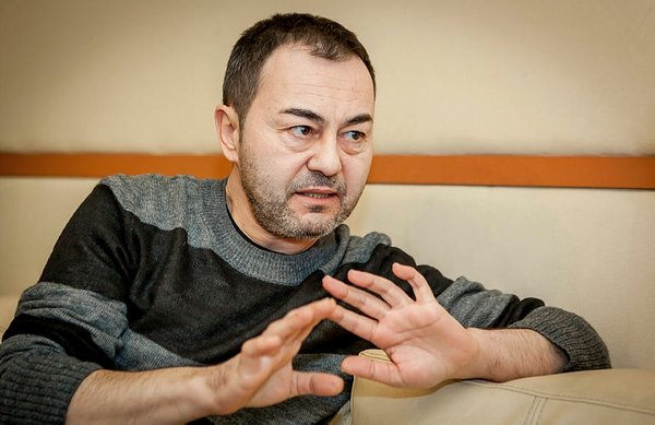 Ünlü isimden Serdar Ortaç'a maddi destek