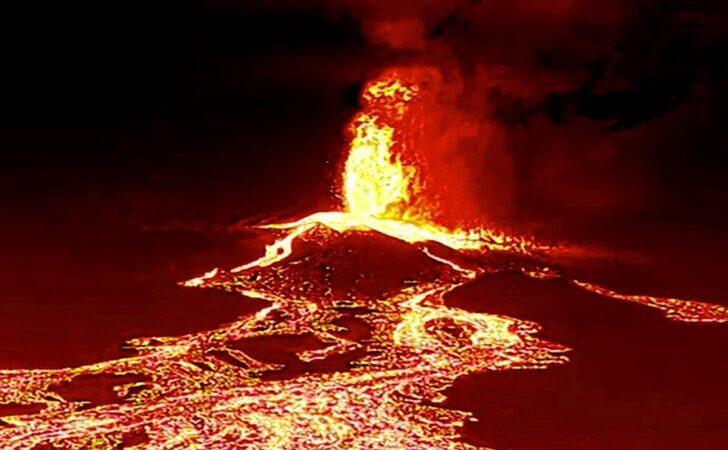 Felaket! Akan lavlar havuzu doldurdu, 320 ev kül oldu