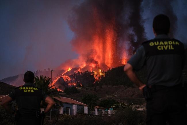 Yanardağ faaliyete geçti! 5 bin kişi tahliye ediliyor