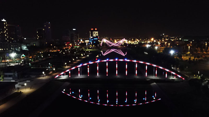 Bursa'da köprüler ışık saçıyor
