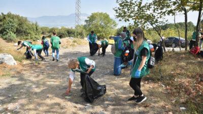 Temiz çevre için çöp topladılar