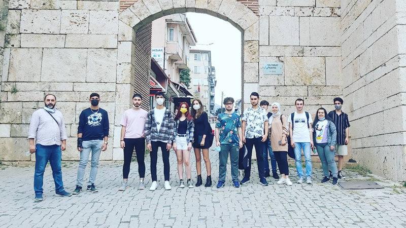 Gençler Bursa'yı adımladı