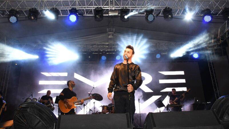 Kestel'de Emre Kaya konserinde evlilik teklifi sürprizi