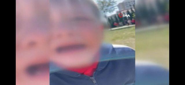 Şoke eden görüntüler! Oğluyla kavga eden çocuğa dehşeti yaşattı