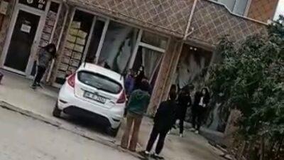 Bursa'da bir anda ortalık karıştı! Kadınlar saç saça, baş başa…