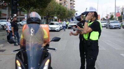 Bursa Polisi motosiklet sürücülerini denetledi