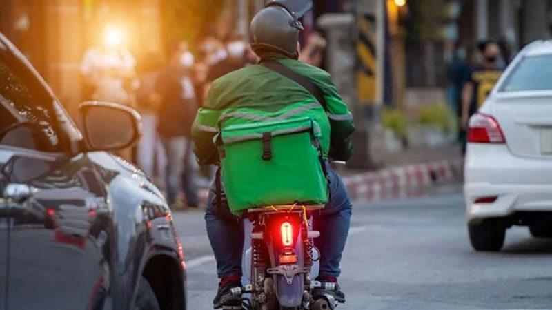 Trafikte motokurye savaşı: 'Zamanında götürmezsen kazanamazsın'