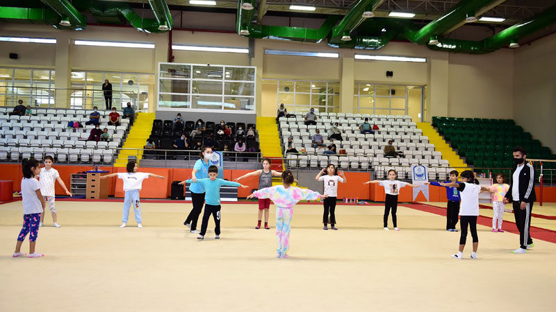 Yıldırımlı çocuklara yaz-kış spor imkanı