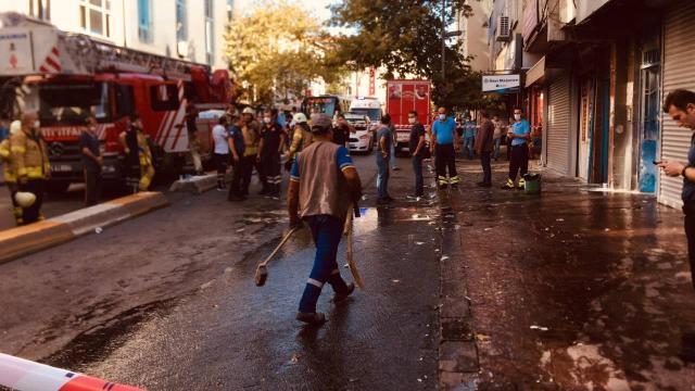 Atölyede yangını: 9 kişi dumandan etkilendi