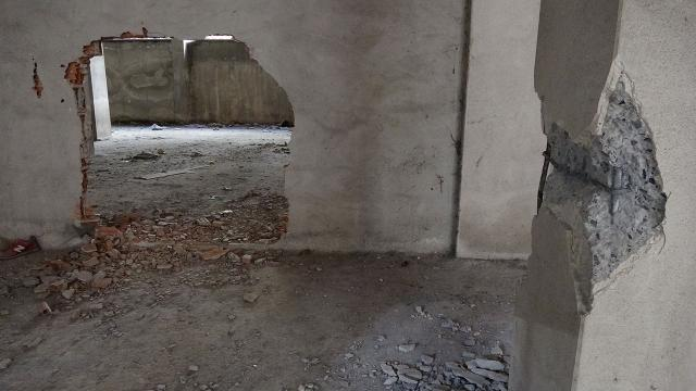 Faciayı bina sakinleri önledi! Kolonları keserken yakalandılar
