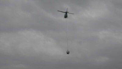 Bursa'da şehrin üstünde alçak uçuş yapan helikopter paniğe neden oldu