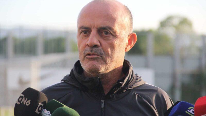 """Bursaspor Teknik Direktörü Özcan Bizati: """"Büyük bir camiaya geldiğimin farkındayım"""""""
