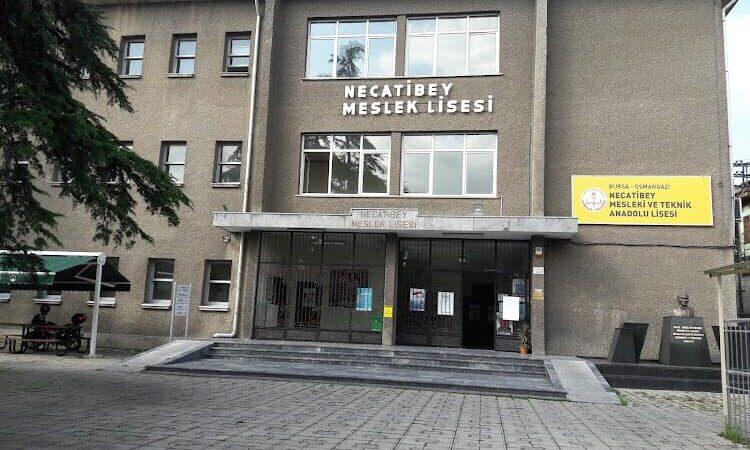 Bursa'da veliler kaygılı! Bu okul da yıkılır mı?
