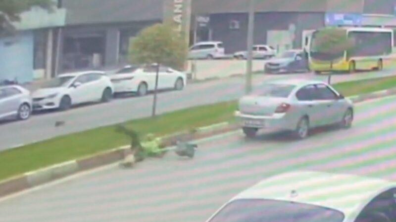 Bursa'da otomobil; temizlik işçisine böyle çarptı