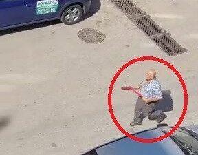 Bursa'da cadde ortasında beyzbol sopalı kavga kamerada