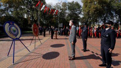 İnegöl'de Cumhuriyet Bayramı coşkusu resmi törenlerle başladı