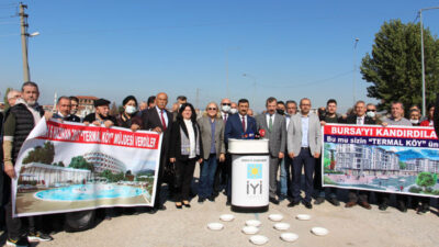 İYİ Parti'den hamam taslı protesto