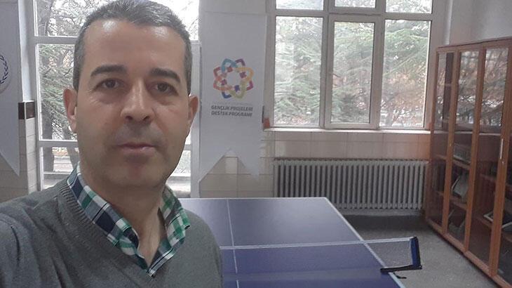Aşı yaptırmayan Hasan Ali öğretmen koronavirüs kurbanı