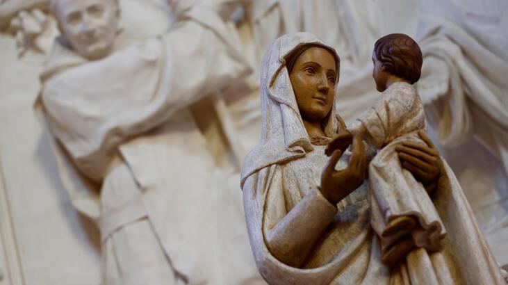 Papa: Fransa'da 216 bin bin çocuğun cinsel istismara uğraması 'utanç verici'