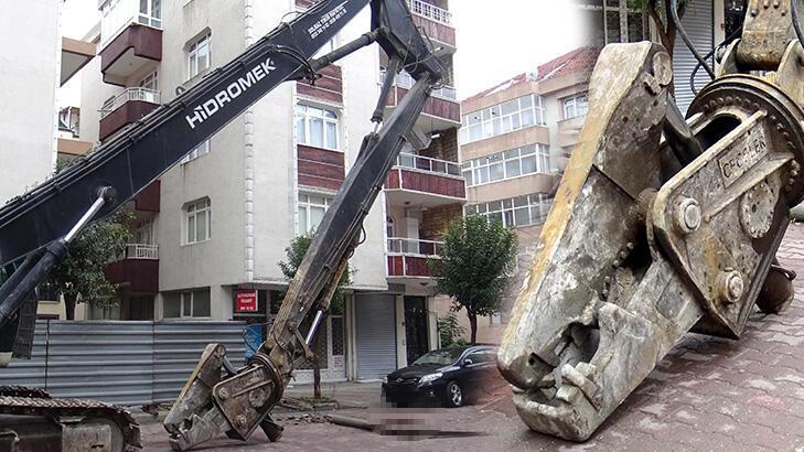 İhmal iddiası! İş makinesinin devirdiği beton direk can aldı