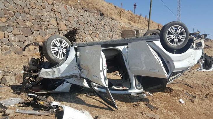 Otomobil şarampole devrildi: 3 ölü, 3 yaralı