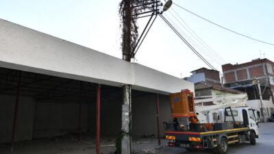 Bursa'da görenler şaşkın! Elektrik direkli kaçak işyeri