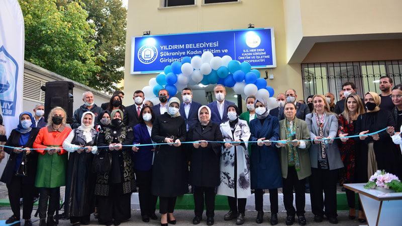 Bursa'da çifte açılış
