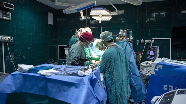 Karın ağrısı şikayetiyle hastaneye kaldırıldı! Şoke eden gerçek ortaya çıktı