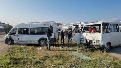 Bursa'da minibüsler çarpıştı! 17 yaralı